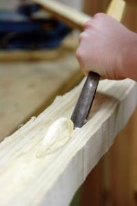 Beginn der inneren Bearbeitung einer Hälfte eines Hirtenhorns